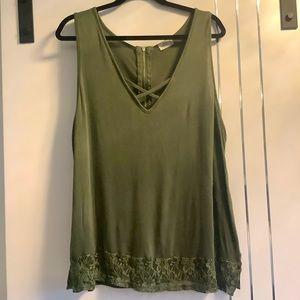 💜3/$30 Plus Size 3X Olive crisCross Lace Zipper